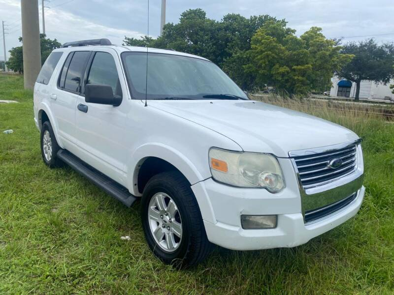 2009 Ford Explorer for sale at UNITED AUTO BROKERS in Hollywood FL