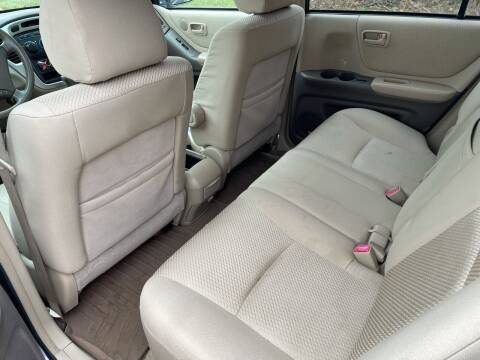 2007 Toyota Highlander Hybrid for sale at Trocci's Auto Sales in West Pittsburg PA
