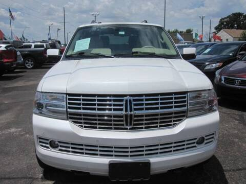 2009 Lincoln Navigator for sale at T & D Motor Company in Bethany OK