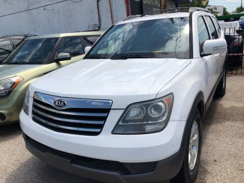 2009 Kia Borrego for sale at Auto Access in Irving TX