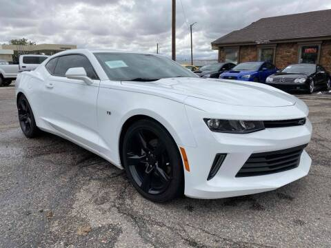 2018 Chevrolet Camaro for sale at BERKENKOTTER MOTORS in Brighton CO