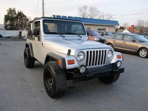 2004 Jeep Wrangler for sale at Supermax Autos in Strasburg VA