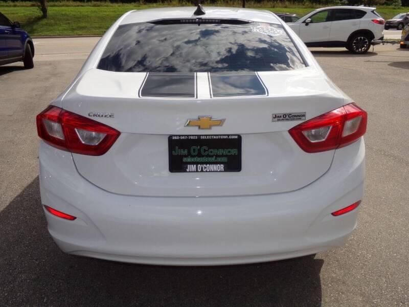 2017 Chevrolet Cruze LS Manual 4dr Sedan - Oconomowoc WI