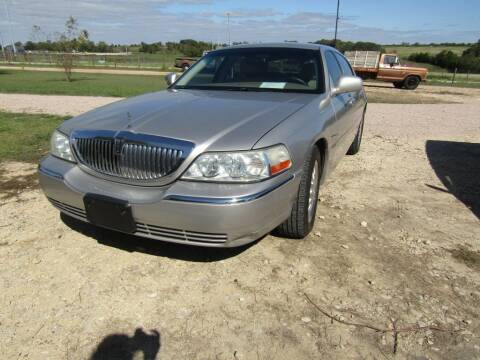 2004 Lincoln Town Car for sale at Hill Top Sales in Brenham TX