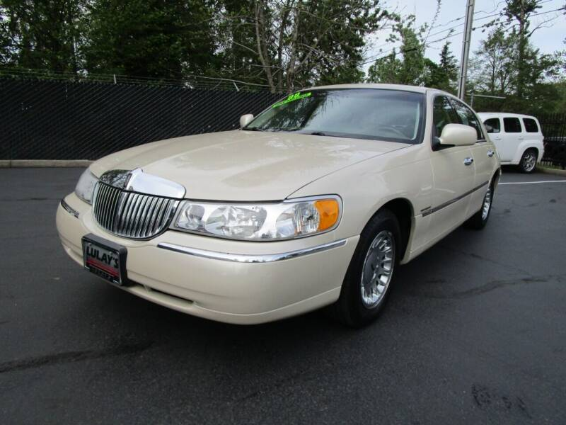1999 Lincoln Town Car for sale at LULAY'S CAR CONNECTION in Salem OR