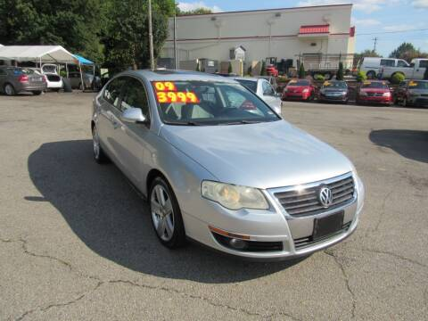 2009 Volkswagen Passat for sale at Auto Bella Inc. in Clayton NC