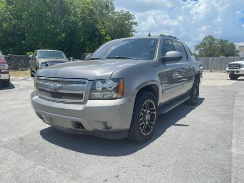 2007 Chevrolet Avalanche for sale at Truck Depot in Miami FL