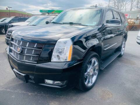 2013 Cadillac Escalade for sale at BRYANT AUTO SALES in Bryant AR