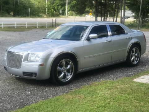 2005 Chrysler 300 for sale at 912 Auto Sales in Douglas GA