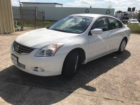 2012 Nissan Altima for sale at TWIN CITY MOTORS in Houston TX