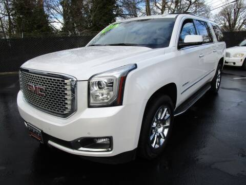 2016 GMC Yukon XL for sale at LULAY'S CAR CONNECTION in Salem OR