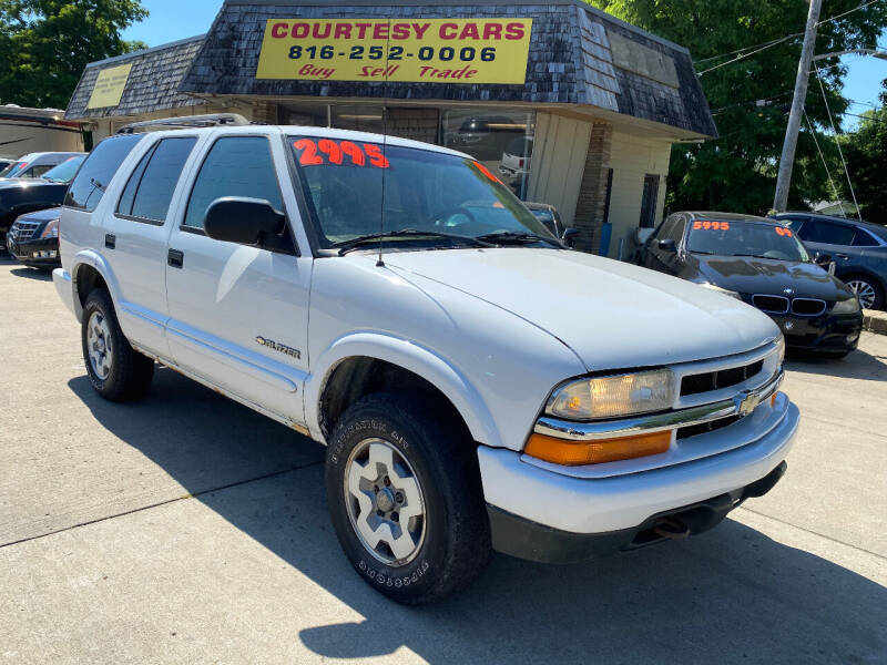 2002 Chevrolet Blazer for sale at Courtesy Cars in Independence MO