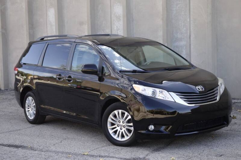 2013 Toyota Sienna for sale at Albo Auto in Palatine IL