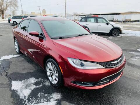 2015 Chrysler 200 for sale at Central Iowa Auto Sales in Des Moines IA