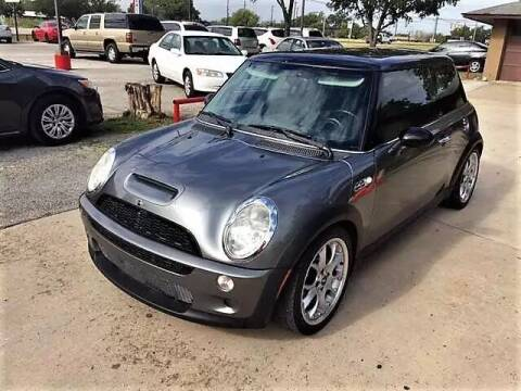 2004 MINI Cooper for sale at John 3:16 Motors in San Antonio TX