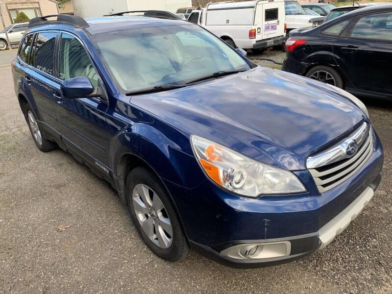 2011 Subaru Outback for sale at MIDLAND MOTORS LLC in Tacoma WA