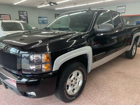 2007 Chevrolet Silverado 1500 for sale at PETE'S AUTO SALES - Dayton in Dayton OH