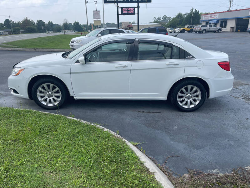 2013 Chrysler 200 for sale at ROWE'S QUALITY CARS INC in Bridgeton NC