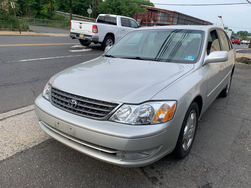 2004 Toyota Avalon for sale at M & C AUTO SALES in Roselle NJ