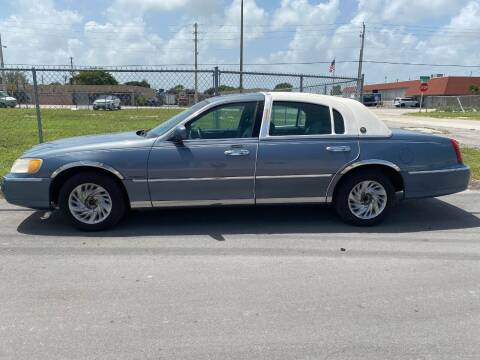 2000 Lincoln Town Car for sale at Car Girl 101 in Oakland Park FL