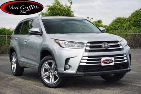 2019 Toyota Highlander for sale at Van Griffith Kia Granbury in Granbury TX