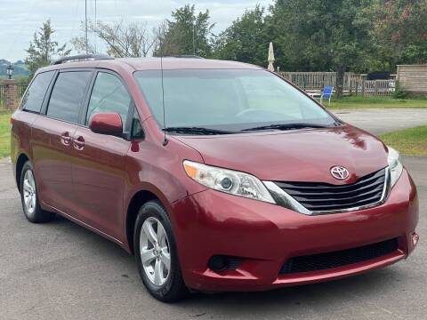 2014 Toyota Sienna for sale at Sevierville Autobrokers LLC in Sevierville TN