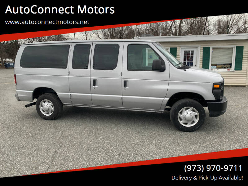 2008 Ford E-Series Wagon for sale at AutoConnect Motors in Kenvil NJ
