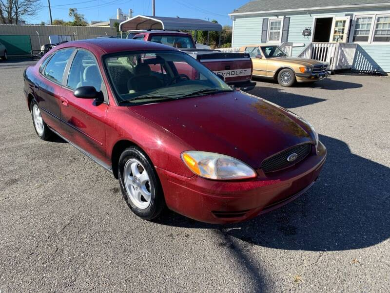 2006 Ford Taurus for sale at LINDER'S AUTO SALES in Gastonia NC