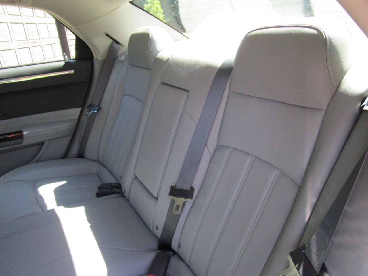 2006 Chrysler 300 59