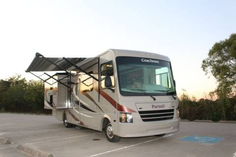 2015 Coachmen Pursuit 33' for sale at Clear Lake Auto World in League City TX