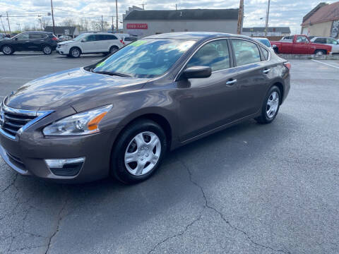2015 Nissan Altima for sale at Used Car Factory Sales & Service Troy in Troy OH