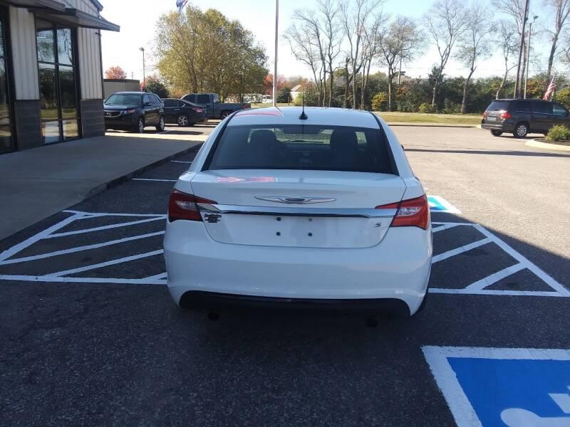 2012 Chrysler 200 Touring 4dr Sedan - Pleasant View TN