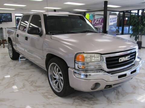 2005 GMC Sierra 1500 for sale at Dealer One Auto Credit in Oklahoma City OK