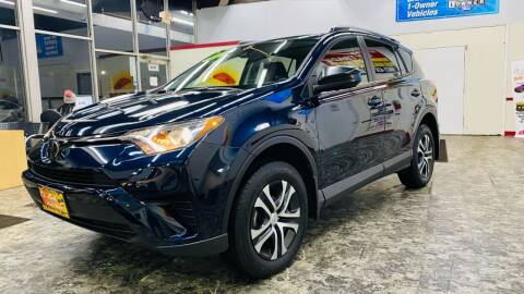 2018 Toyota RAV4 for sale at TOP YIN MOTORS in Mount Prospect IL