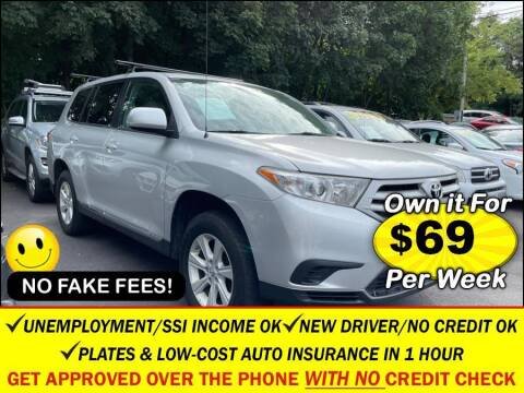 2012 Toyota Highlander for sale at AUTOFYND in Elmont NY