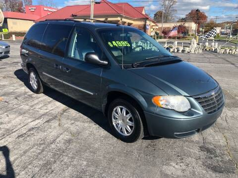 2007 Chrysler Town and Country for sale at Country Auto Sales Inc. in Bristol VA