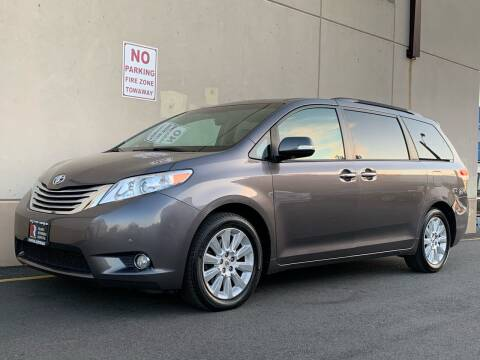2014 Toyota Sienna for sale at International Auto Sales in Hasbrouck Heights NJ