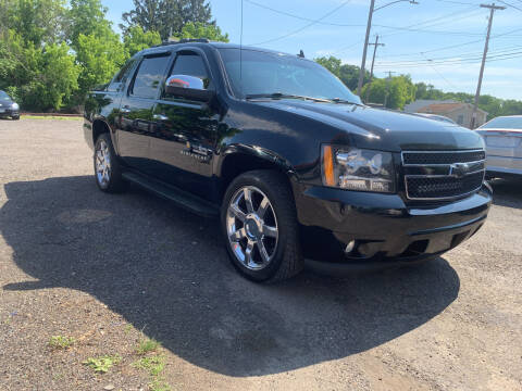 2013 Chevrolet Avalanche for sale at Townline Motors in Cortland NY