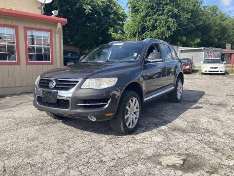 2009 Volkswagen Touareg 2 for sale at Used Car City in Tulsa OK