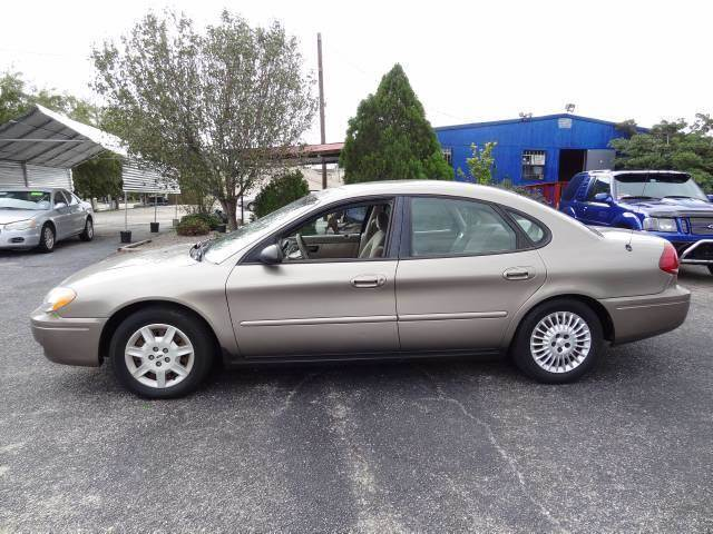 2005 Ford Taurus for sale at HOUSTON'S BEST AUTO SALES in Houston TX