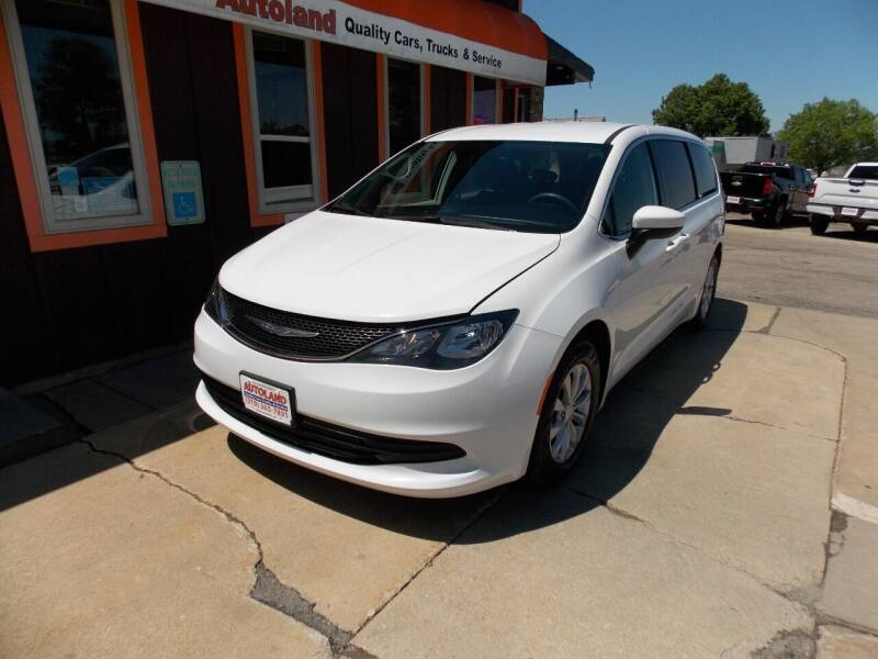 2017 Chrysler Pacifica for sale at Autoland in Cedar Rapids IA