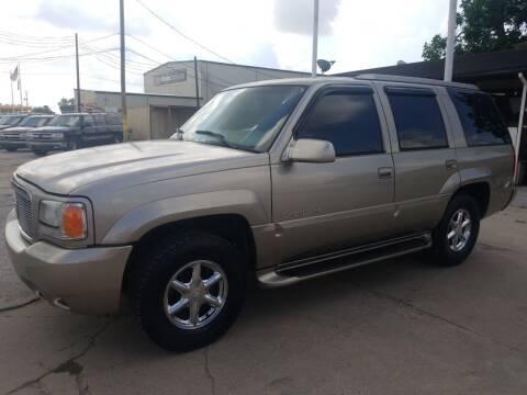 2000 Cadillac Escalade for sale at OTWELL ENTERPRISES AUTO & TRUCK SALES in Pasadena TX