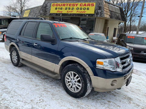 2013 Ford Expedition for sale at Courtesy Cars in Independence MO