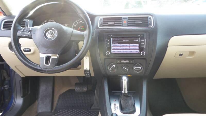 2012 Volkswagen Jetta SE PZEV 4dr Sedan 6A w/ Convenience and Sunroof - Albany NY