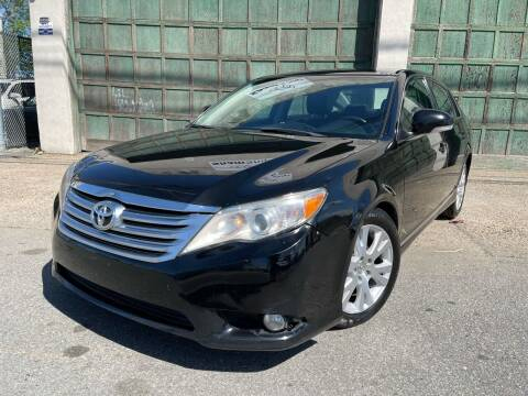 2012 Toyota Avalon for sale at Illinois Auto Sales in Paterson NJ