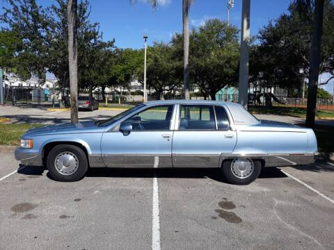 1993 Cadillac Fleetwood for sale at Car Mart Leasing & Sales in Hollywood FL