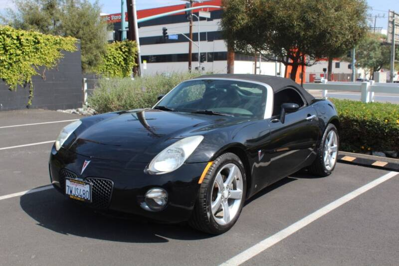 2006 Pontiac Solstice for sale at FJ Auto Sales in North Hollywood CA