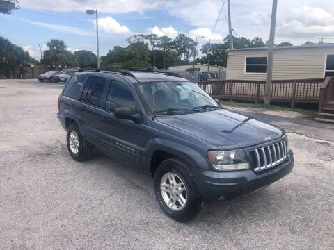2004 Jeep Grand Cherokee for sale at Friendly Finance Auto Sales in Port Richey FL