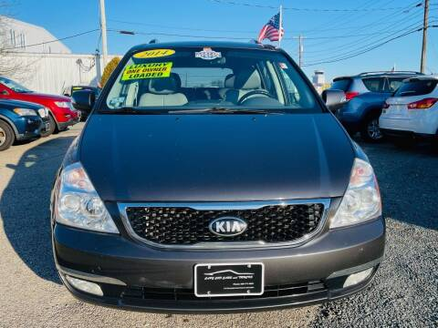 2014 Kia Sedona for sale at Cape Cod Cars & Trucks in Hyannis MA