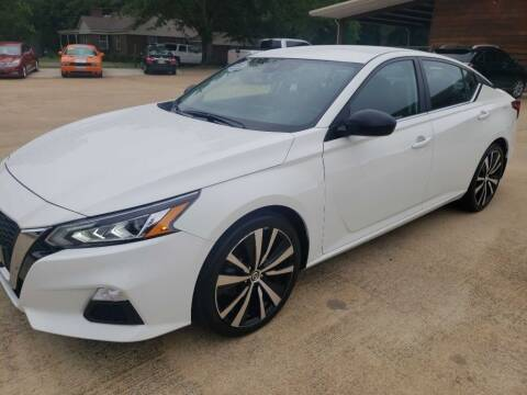 2020 Nissan Altima for sale at Crossroads Outdoor in Corinth MS